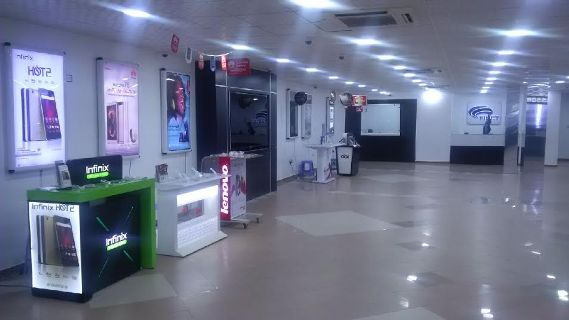 Finet Experience Centre One of Nigeria's Largest Mobile Phone Store opens.