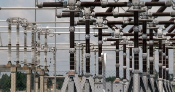 EDC staff electrocuted while working on an electric pole in Isolo Lagos