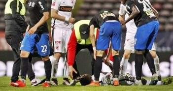 Cameroonian Footballer Collapse and Dies on the Pitch During a Match