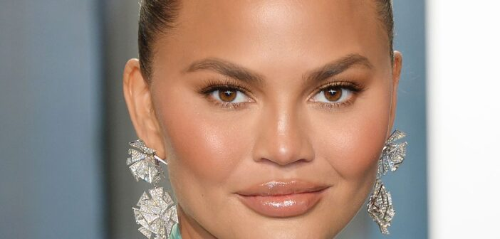 Chrissy Teigen stands up for Meghan Markle over miscarriage news